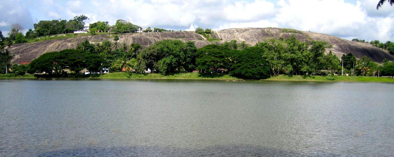 lake-round-kurunegala-hotel-viveka